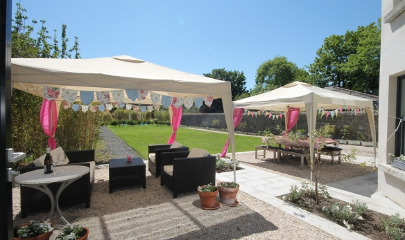 canopy with bunting
